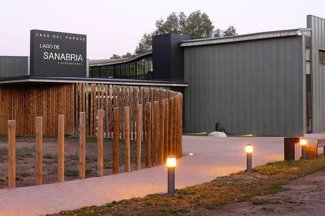 Casa del Parque del Lago de Sanabria. Rutas del Quijote
